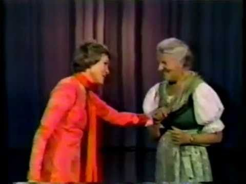 Julie Andrews and Maria Von Trapp part 1 of 2 (This is from the Julie Andrews Hour in 1972-73). // With some mad yodeling.