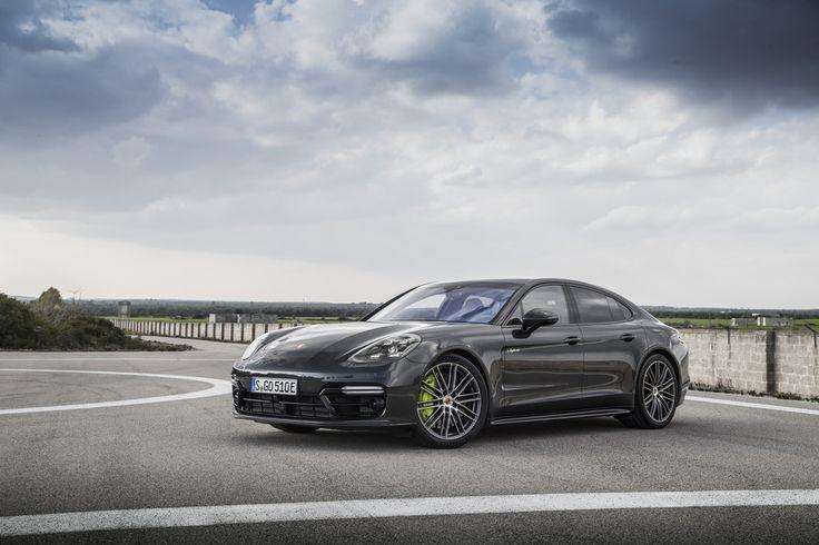 Cool Porsche: Panamera Turbo S E-Hybrid: Porsche 918 voor het gezin...  DrivEssential Check more at http://24car.top/2017/2017/07/22/porsche-panamera-turbo-s-e-hybrid-porsche-918-voor-het-gezin-drivessential/