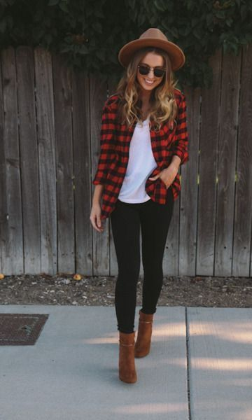 Casual look | Checked shirt with black pants, floppy hat and ankle booties