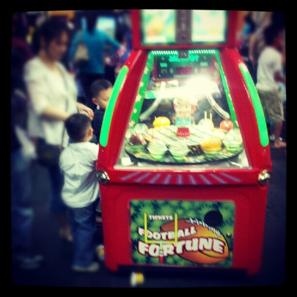 Chuckie Cheese Is Like A Vegas Casino For Kids Instagram Vegas