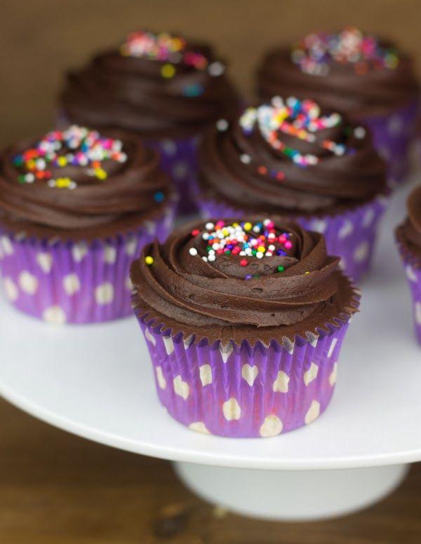 Cupcakes De Chocolate Negro Baileys Y Chocolate Blanco