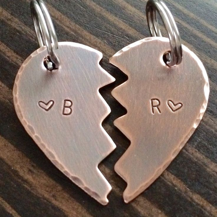 Simple rustic keychains for any couple. #NewHome #Couples #Fiancé #Bride #Groom…