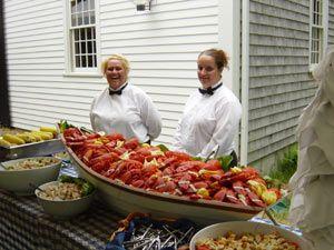 clam bake: lobster n shellfish filled boats     clambake3.jpg 300×225 pixels