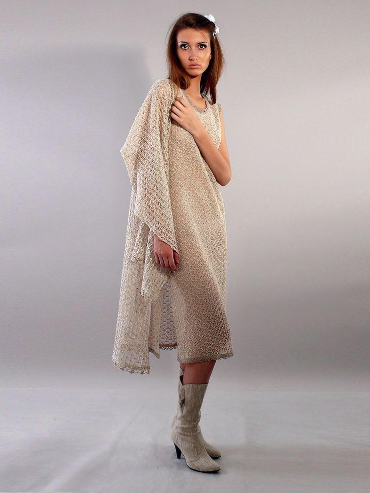 Льняная вязаная накидка с капюшоном - студийная модельная каталожная фотосъемка для интернет-магазина - Folov.in