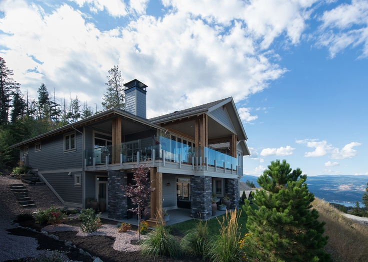 Ellison Home With Views Of The Okanagan Valley Back