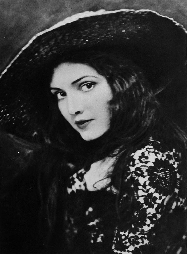 Katherine Perry (aka Kathryn Perry) (January 5, 1897 – October 14, 1983) was an American stage and film actress. She appeared in 36 films between 1920 and 1936.