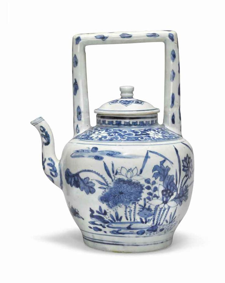 A 'Hatcher cargo' blue and white teapot and cover, Transitional, mid-17th century