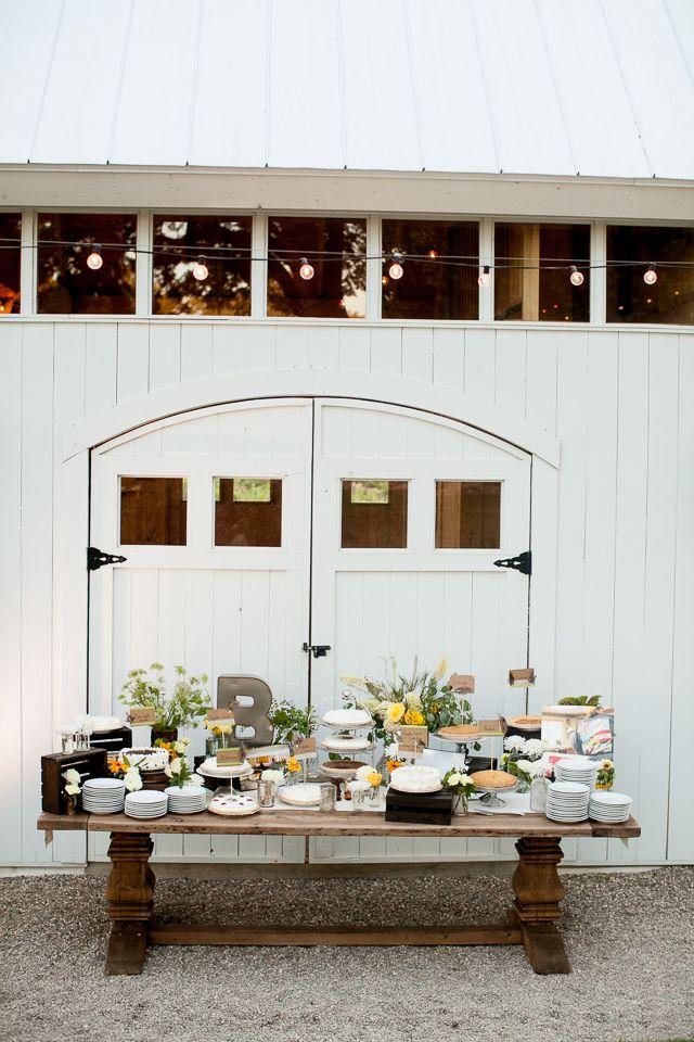 Wedding PIE table! #wedding #details  http://bradypuryear.com/2014/08/hammersky-vineyard-wedding/