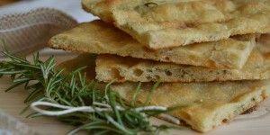 Focaccia al rosmarino, la ricetta con pasta madre e farina di semola