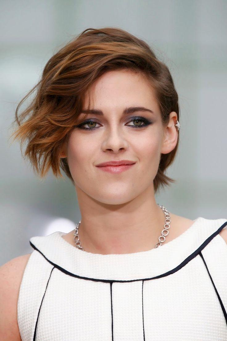 Kstew France   Communauté dédiée à l'actrice Kristen Stewart  : Kristen au défilé Chanel Haute Couture pour la Paris Fashion Week [27.01.2015]