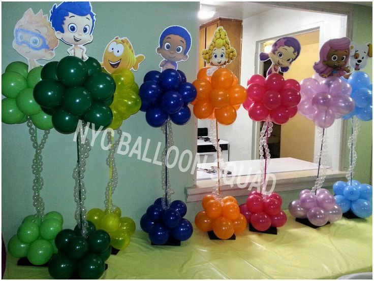 17 best images about balloon topiaries on pinterest centerpieces table centerpieces and baby - Bubble guppie birthday ideas ...