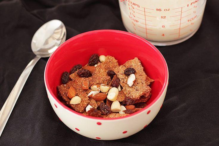 Ik heb heel veel recepten voor granola of cruesli op De Bakparade staan. Maar er zijn natuurlijk veel meer soorten ontbijtgranen dan alleen maar cruesli. Bijvoorbeeld dingen als All Bran of Honey P…