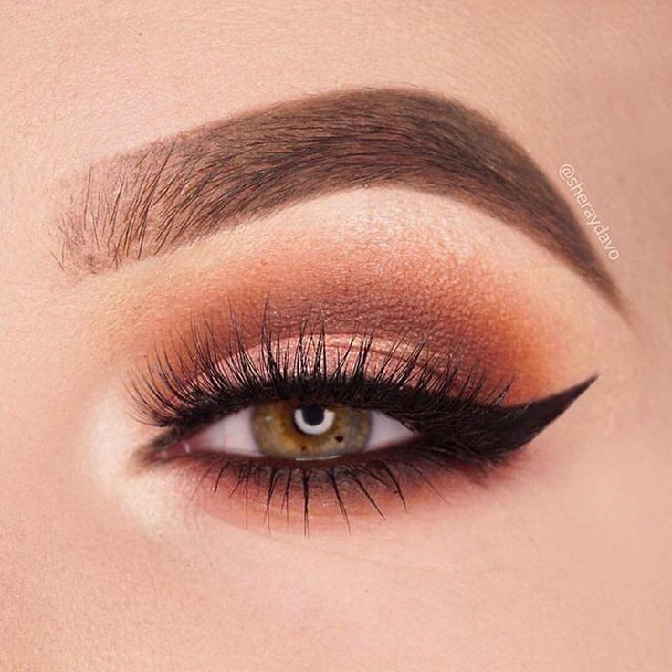 We just can't get enough of these warm looks @sheraydavo used the @JaclynHill palette to create a look for any occasion. ✨ #MorpheXJaclynHill