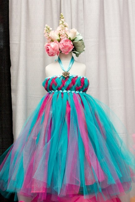 love the colors and the color combo. love the texture of the skirt, the braided top does little for me