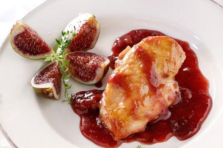 Κοτόπουλο με σύκα στην κατσαρόλα - Συνταγές   γαστρονόμος