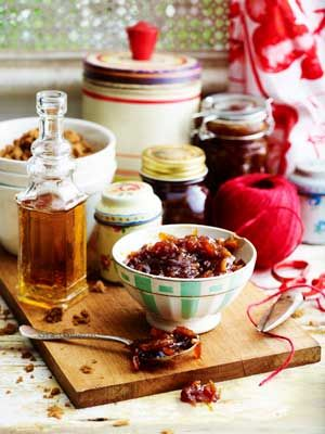 Delicious thick-cut dark whisky marmalade recipe. Yum!