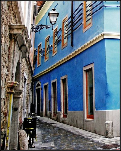 blue house from Trieste