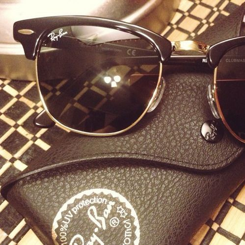 Love the gloss small black clubmaster in gold tone,Discount Ray Ban Clubmaster #Ray #Ban #Clubmaster AA Only $12.8, The Most Fashionable For You