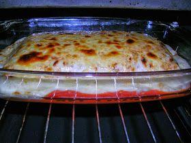 LASAÑA INGREDIENTES ( 2 pers.) 3 Laminas para lasaña 200 gr. Carne picada 1/2 cebolla 2 dientes de ajos Pan rallado 1 ye...
