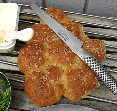 Här kommer ett recept på ett brytbröd som är glutenfritt, låg FODMAP och väldigt gott. Enkelt att baka och gott att äta, kan det blir bättre?