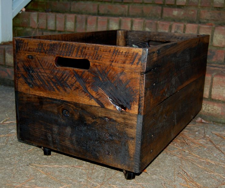 Large Wooden Crate/ Vintage Style/ Rolling Crate/ Reclaim Wood by LooneyBinTradingCo on Etsy https://www.etsy.com/listing/111831022/large-wooden-crate-vintage-style-rolling