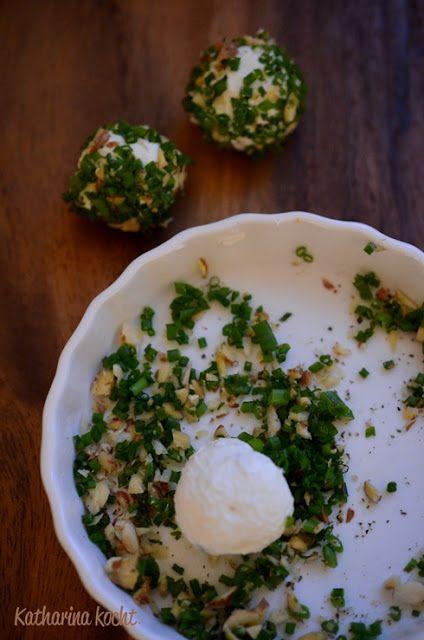 Frischkäsebällchen mit Schnittlauch und Mandeln (inkl. selbst hergestelltem Frischkäse)