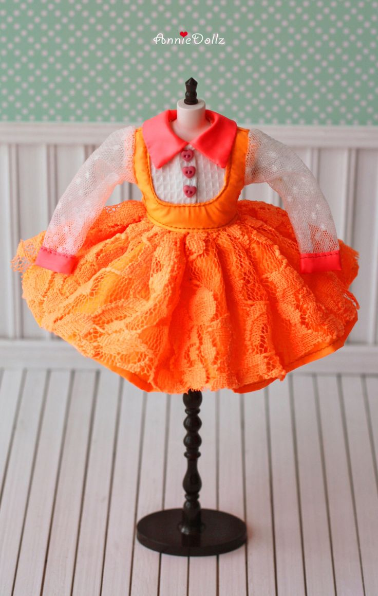 PO - Anniedollz Blythe Outfits fluorescerende droom lange mouwen jurk - oranje door Anniedollz op Etsy https://www.etsy.com/nl/listing/189308831/po-anniedollz-blythe-outfits