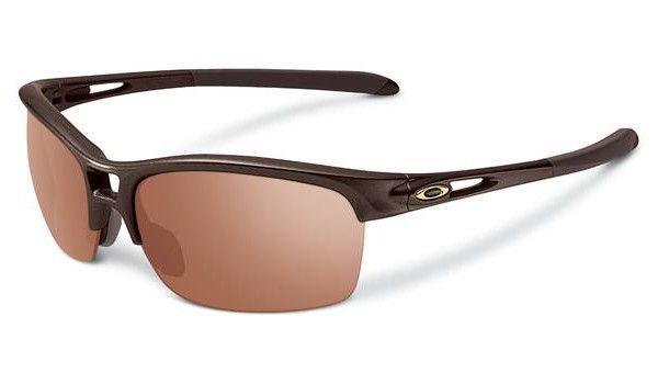 OAKLEY RPM Squared Chocolate Sin VR28 Black Iridium napszemüveg. Színes lencsés férfi napszemüveg, mely a speciális műanyag keret mellett egy szénszálat is tartalmaz, mellyel biztonságosabban viselhető. Igazi sportnapszemüveg, mely védi a szemet a káros sugárzásoktól. KATTINTS IDE!