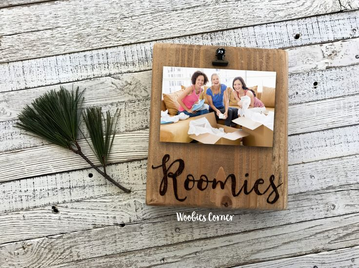 Gifts for roommates, Roommate gift, Best friend picture frame, Custom picture frame, Custom picture clip, Collage roommate, Wood photo frame