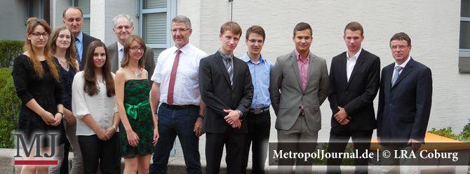 (CO) Landrat Michael Busch empfängt die besten Absolventinnen und Absolventen - http://metropoljournal.de/metropol_nachrichten/coburg-landrat-michael-busch-empfaeengt-die-besten-absolventinnen-und-absolventen/