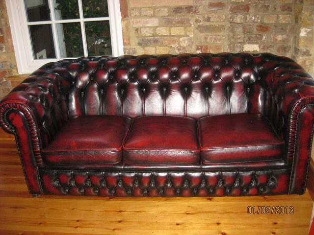 Red Oxblood Leather Chesterfield Settee Sofa Living Room