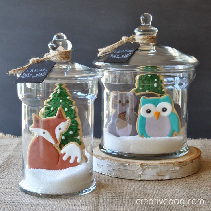 Custom made woodland cookies packaged in glass containers for holiday gift giving (Creative Bag). Love the sugar in the bottom.