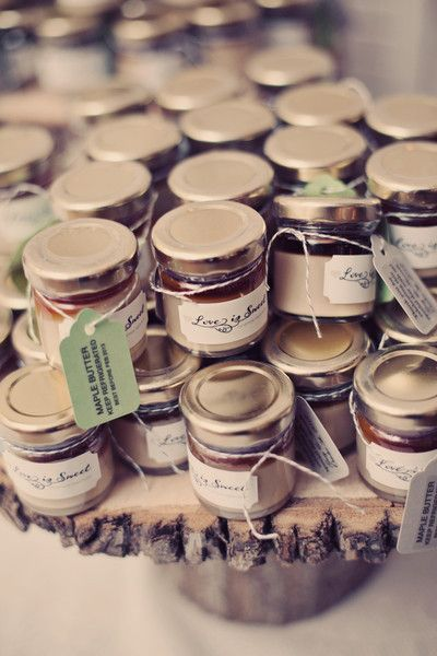 maple butter wedding favors sound perfectly delectable for a fall wedding | renaissance studios photography | via: @WeddingWire