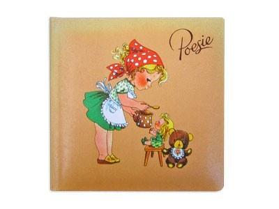 Poesie-album, ik heb hem nog, is me heel dierbaar. 'k Heb zelfs nog de albums van mijn moeder (geb.1933) en oma (geb.1904)