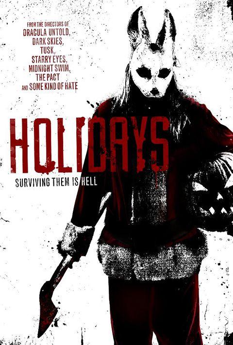 """HOLIDAYS Come spesso accade negli horror antologici di questo tipo, ci sono alti e bassi notevoli ed è estremamente difficile giudicare in modo coerente opere così disomogenee. A parte questo, se non cercate eccessi splatter, ma piuttosto i colpi di scena improbabili in stile """"The Twilight Zone"""", allora film come questo non vi deluderanno, regalandovi un paio d'ore di onesto e spaventoso intrattenimento. RSVP: """"Tales of Halloween"""", """"Southbound"""". Voto: 6."""