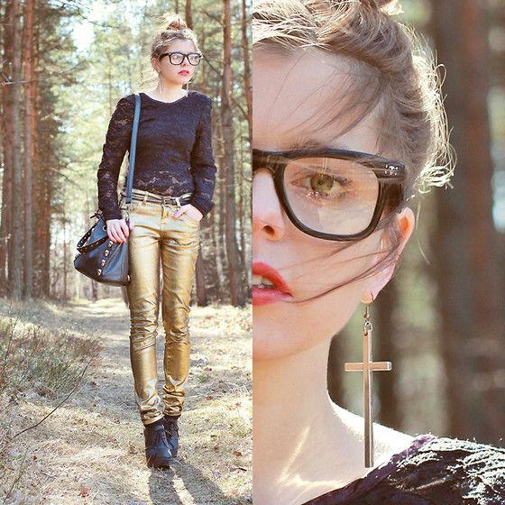 Metallic jeans & cross earrings