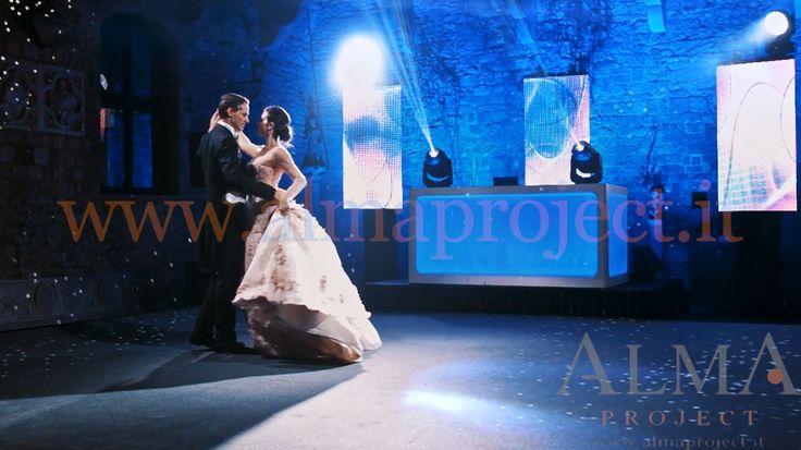 ALMA PROJECT @ Vincigliata - First dance - white dancefloor - mirror ball - mh - blue uplights - Eva light - moving heads - led wall