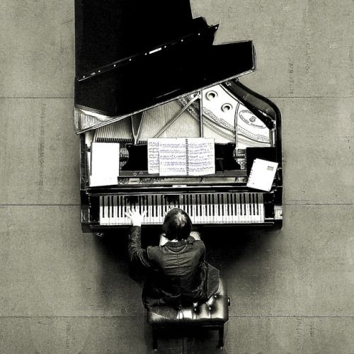 The piano knows something I don't.