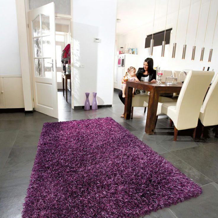 Op MijnKarpet.nl komen vloerkleden in alle #trendkleuren voorbij. Zoals deze #paarse hoogpollige vloerkleed!