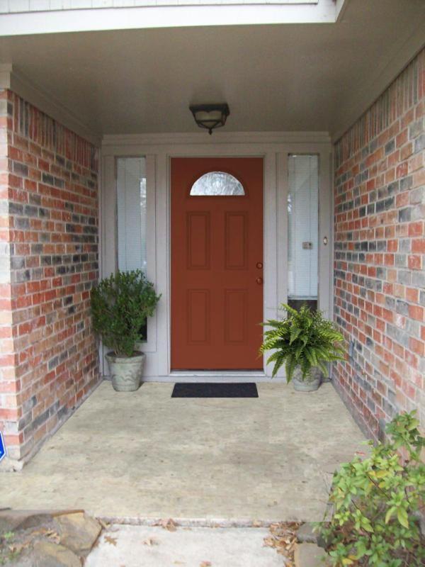 orange door with white trim and orange multi tone brick porch ideas pinterest front doors. Black Bedroom Furniture Sets. Home Design Ideas