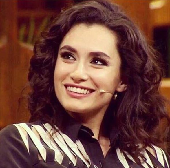 Hande Doğandemir, Turkish actress, TV host and sociologist, b. 1985