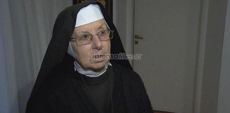 """La hipocrecia de las personas """"devotas""""  (Benjamin NV)   Video: Monja argentina ayudaba a ocultar dólares en convento http://www.laprensalibre.cr/Noticias/detalle/76827/video:-monja-argentina-ayudaba-a-ocultar-dolares-en-convento"""