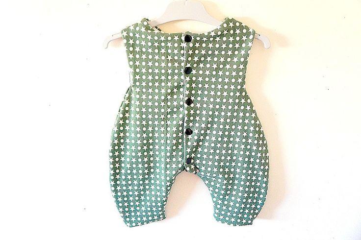 Combinaison mixte, ronds et étoiles sur fond kaki, 0-3 mois : Mode Bébé par hazaliwa