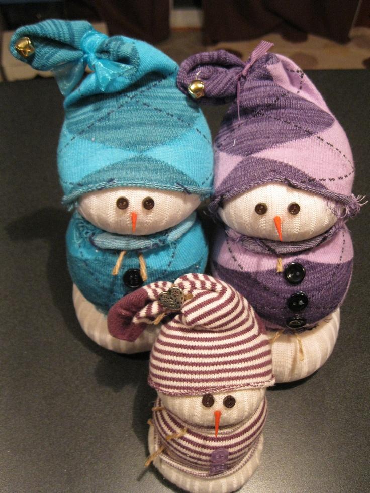 Sock snowmen. Easy~peasy craft!