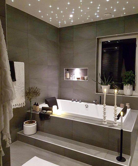 badezimmer ideen badewanne badewanne fliesen sternenhimmel decke bad fliesen ideen bad ideen wohnen ideen haus badewannen duschen