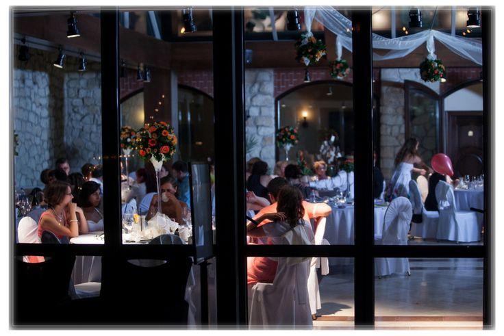 Tokaj-Hegyalja egyetlen ötcsillagos szállodájaként az Andrássy Rezidencia Wine & Spa*** szálloda kiemelkedően magas minőségi színvonalon kínálja a wellness, spa és gasztronómia legjavát.   Tarcalon, gyönyörű, rusztikus környezetben az Andrássy család patinás egykori rezidenciája eszményi esküvőhelyszín