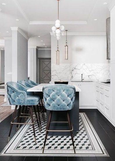 Baby Blue Tufted Kitchen Barhocker & Atemberaubender weißer Marmor