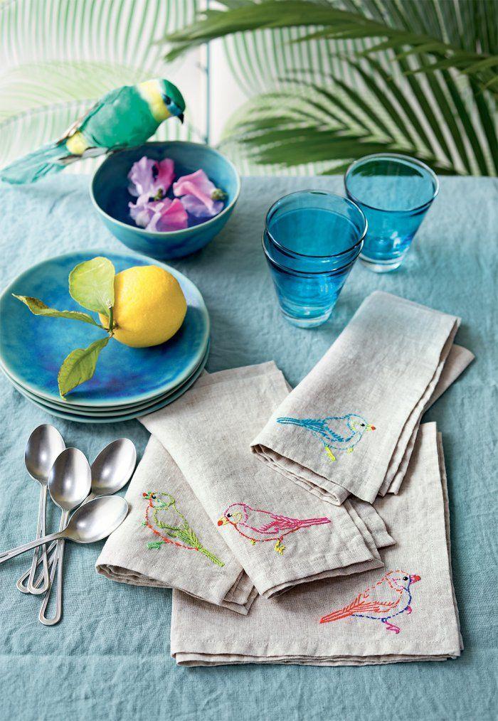 DIY Broderie: des serviettes de table ornées d'oiseaux - Embroided birds by Marie Claire Idées