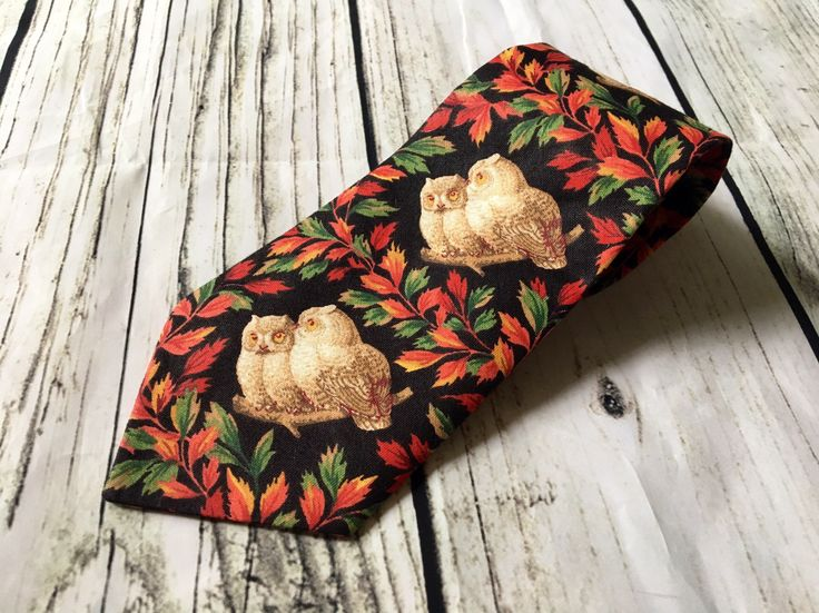 Vintage Owl Neck Tie, Mens novelty tie, Floral autumn leaf tie, Cotton, Artsy, unique by AAWoodAndVintage on Etsy https://www.etsy.com/listing/524977836/vintage-owl-neck-tie-mens-novelty-tie #owls
