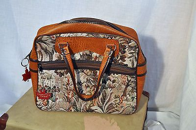 Vintage 1960/70 small sports/carpet bag made in England mod